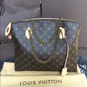 LIMITED EDITION Louis Vuitton Chain Lockit Handbag